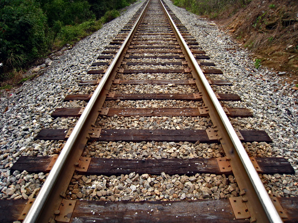 Govt plans to upgrade railway tracks under CPEC